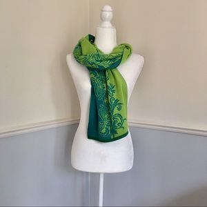 Title 9 green and turquoise activewear scarf